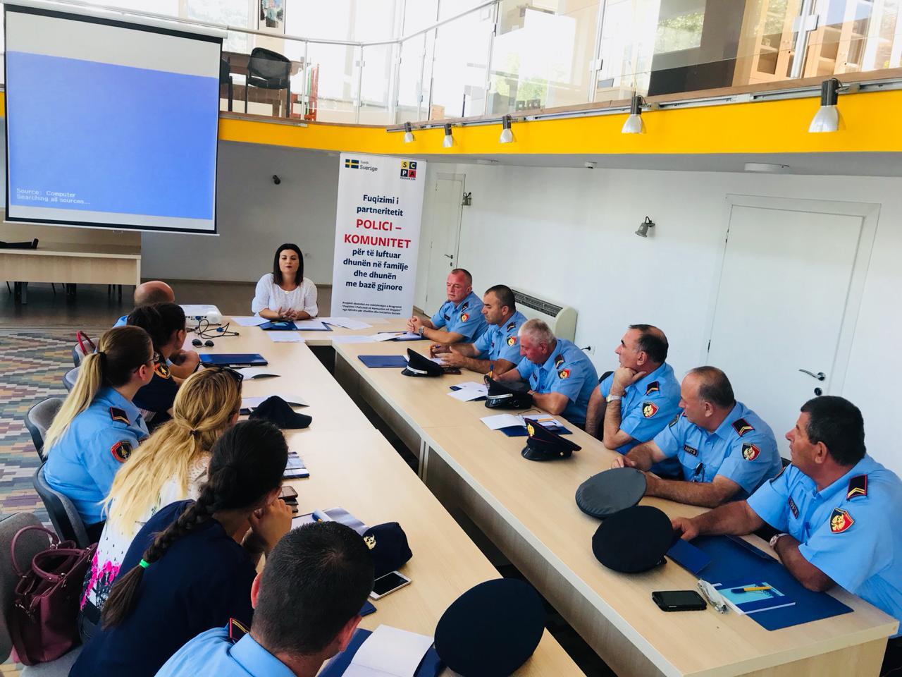 Ngritja e kapaciteteve të punonjësve të policisë për të punuar me viktimat e dhunës në familje