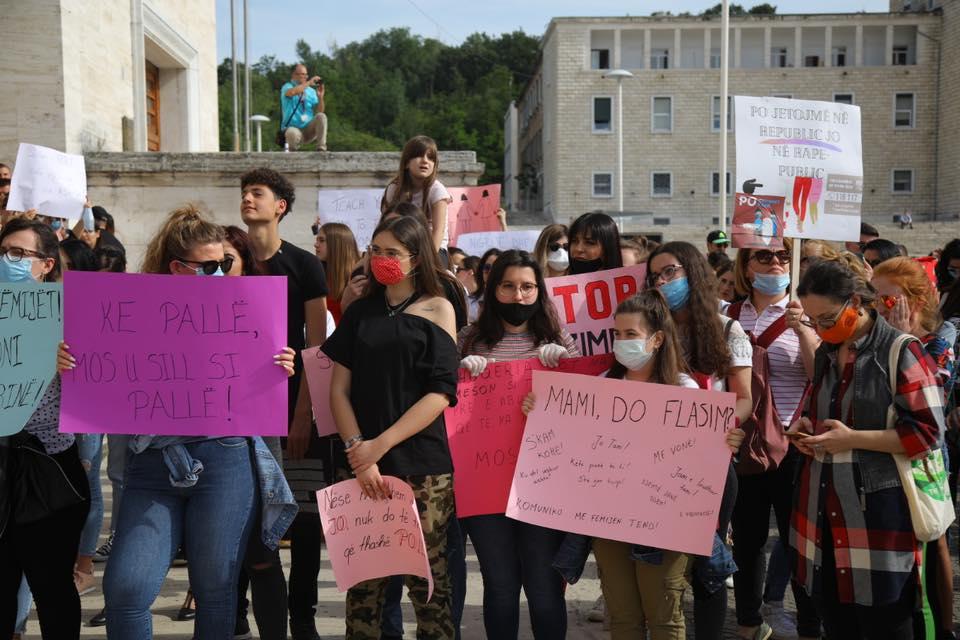 Shqipëria proteston: Kundër dhunës seksuale dhe pro të drejtave të barabarta për gratë dhe vajzat!